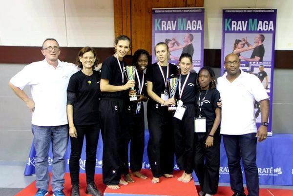 Equipe Krav et son staff