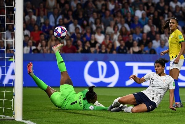 Football les bleues en quarts de finale - Quarts de finale coupe de france ...